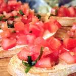 Bruschetta met tomaat en basilicum (à la Vapiano)