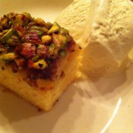 Citruscake met honing en pistachenootjes