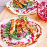 Perzische tortilla met kip, ras el hanout en granaatappel