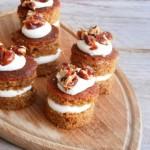 Worteltaart met Stroh rum roomkaas en salted caramel pecannoten