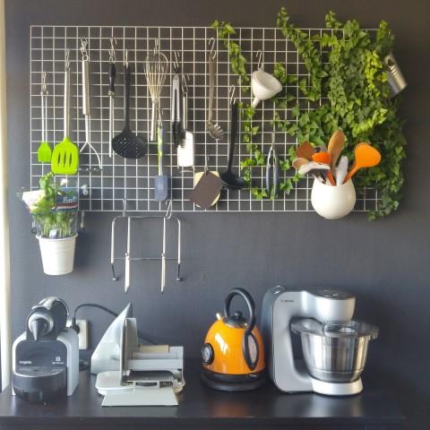 Diy: een handig keukenrek maken • ongewoonlekker.com