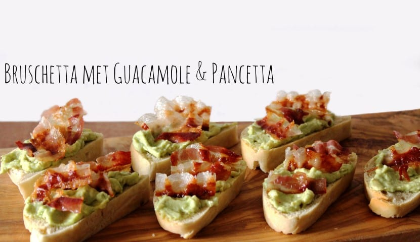 bruschetta met guacamole en pancetta