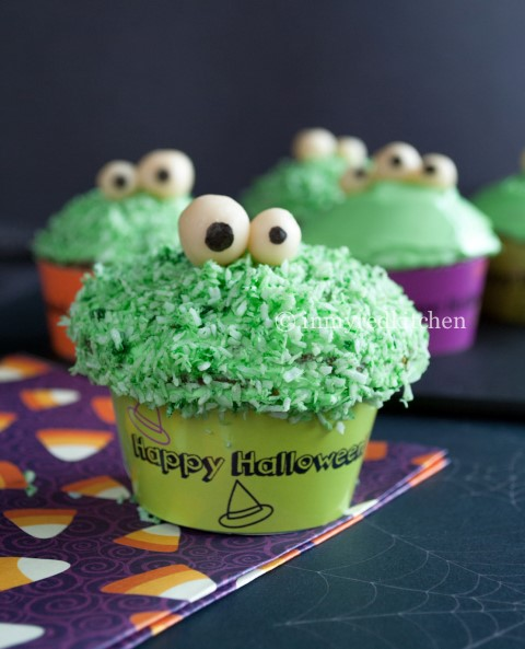 Halloween Hapjes: Green Monster Pandan Cupcakes