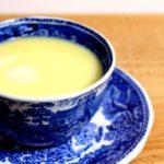 Lekker opwarmen met een warme witte chocolademelk met munt!