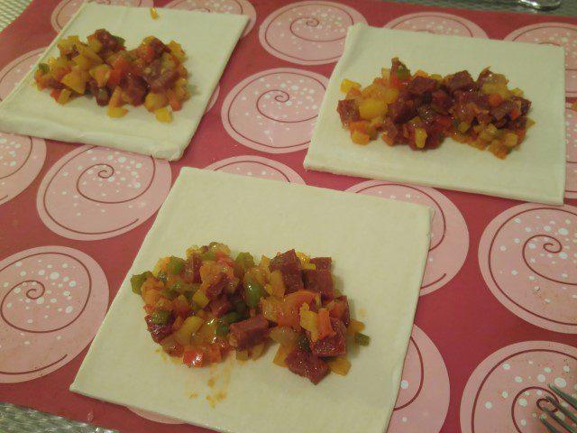chorizo-saucijzenbroodjes-3-small
