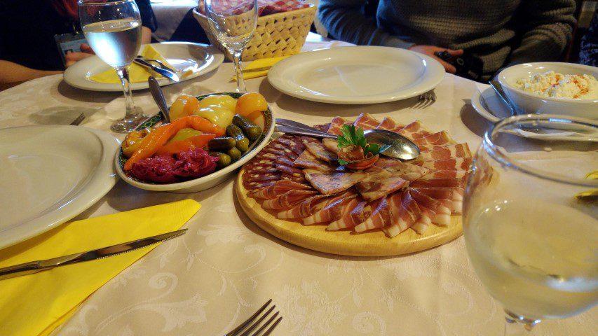 Een 'lichte lunch' at Grešna Gorica, Zagorje Kroatië