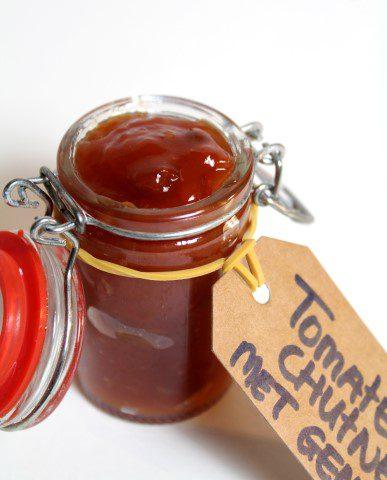 Zefgemaakte tomatenchutney met gemberZelfgemaakte tomatenchutney met gember