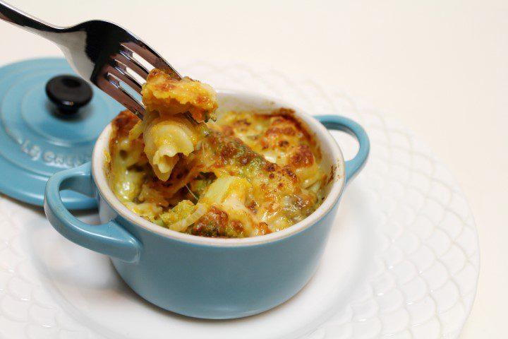Ovenschotel met pasta, pompoen en broccoli