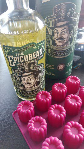 Franse cannelés met The Epicurean Lowland Whisky