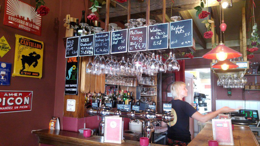 10x OngewoonLekkere plekjes in Brugge - Café Rose Red