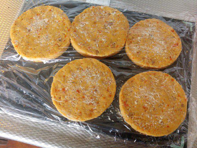 Kikkererwtenburger met gegrilde paprika
