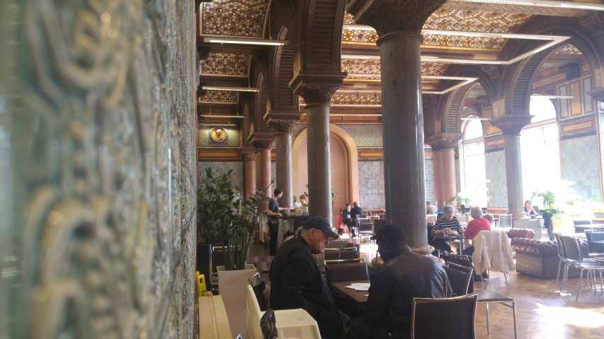 Tips Leeds: Tiled Hall Café