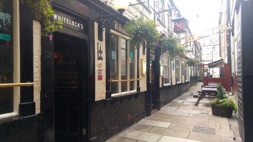 Tips Leeds: Whitelock's Ale House