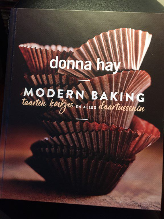 Review: Modern Baking - Donna Hay