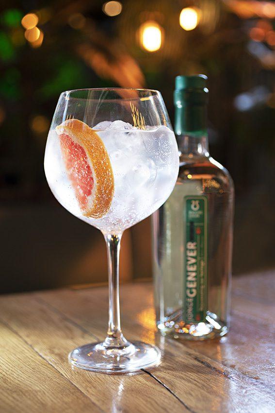 Vijf Klassieke Cocktails met een Twist - Wagging Finger Jonge Genever & Tonic
