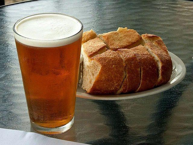 Zo bak je het lekkerste bierbrood met een twist