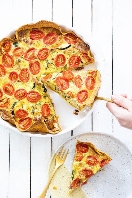 Tortilla quiche met pesto en tomaat