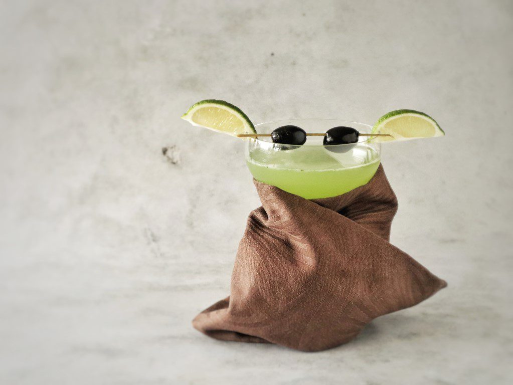 Baby Yoda cocktail - Basil Smash