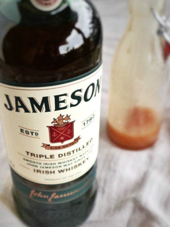 Irish Coffee dessert - Espresso crêpes met Jameson whiskey, salted caramel saus en slagroomijs
