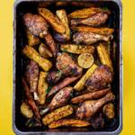 Jerk chicken uit de oven met zoete aardappel, ananas en limoen