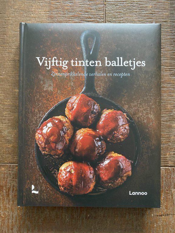 Review: Vijftig tinten balletjes – Stefaan Daeninck, Debbie Brackez & Bart van Leuven