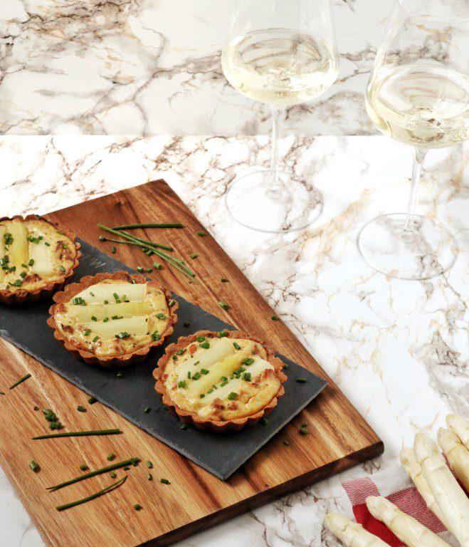 Tartelettes met witte asperges en spekjes (koolhydraatarm)