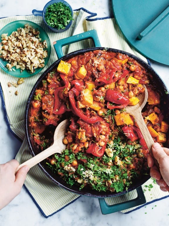 Vegan Tajine met baharat, pompoen en kikkererwten