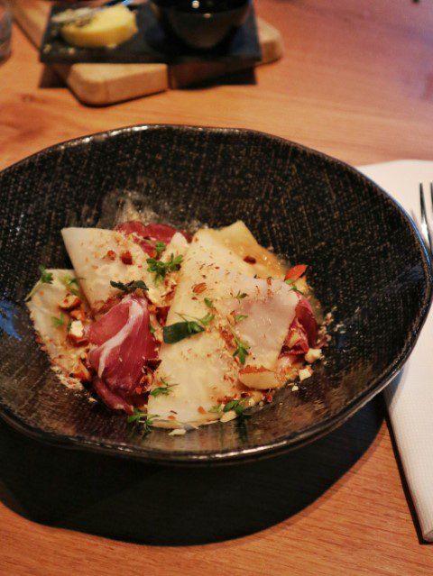 Knolselderij met rauwe ham