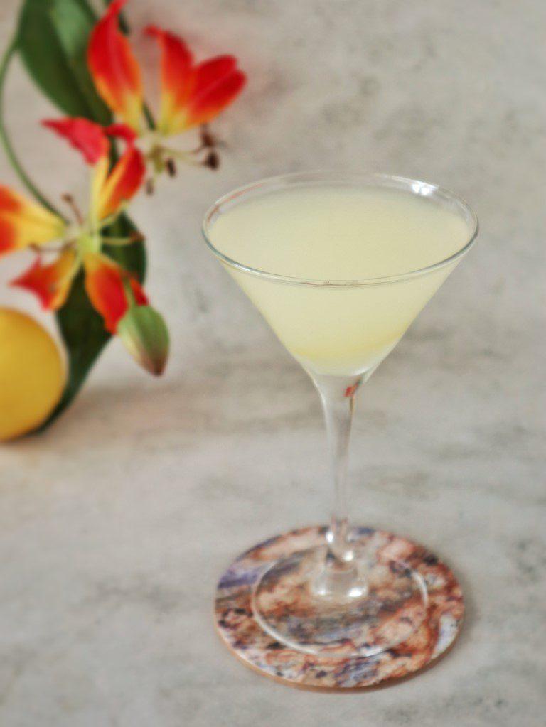Aravevi Limoncello Martini - limoncello cocktail